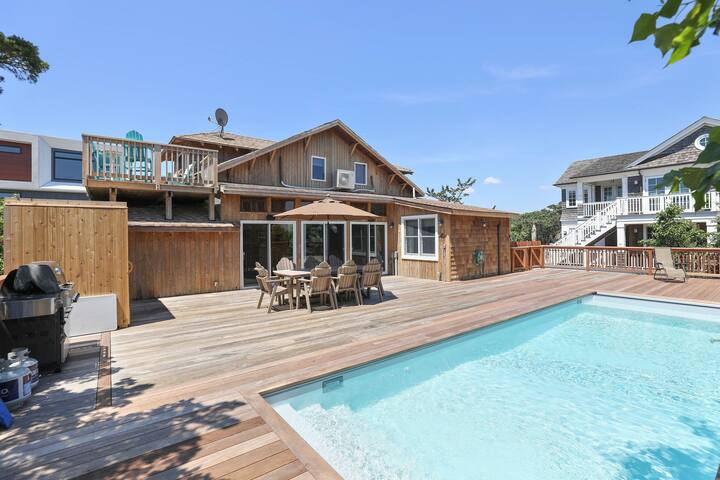 NEW LISTING! Spacious home w/ deck & private pool, outdoor shower, ocean views!