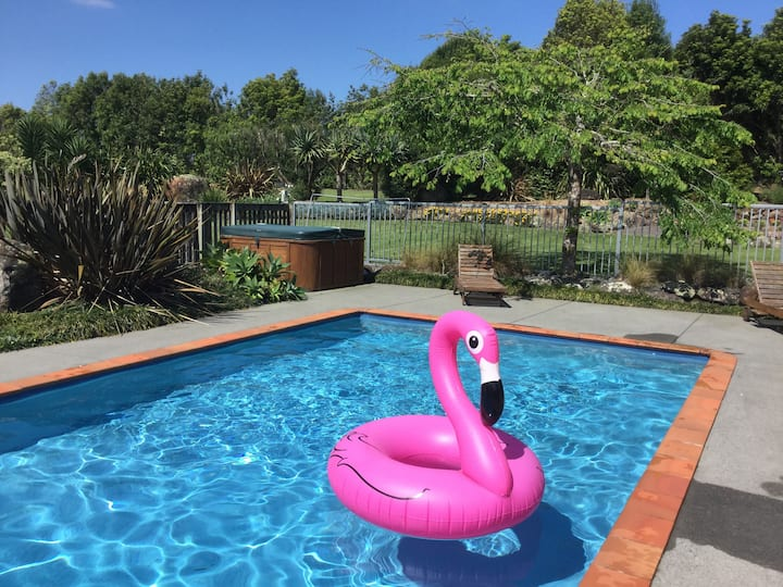 Bay of Islands/ Kerikeri Family Retreat with POOL