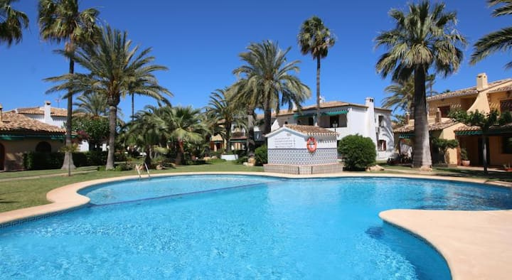 Denia Apartment close to beach,shared pool/gardens