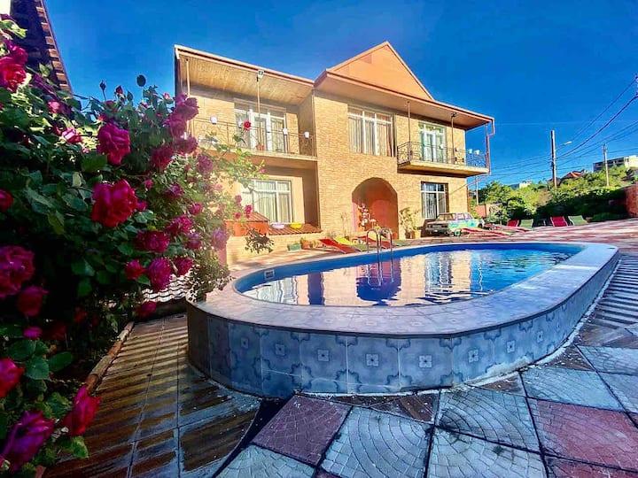 tatikos villa