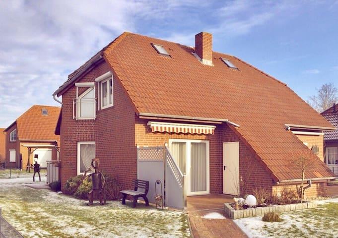 Modernes Haus mitten in Norddeich - Norden - House
