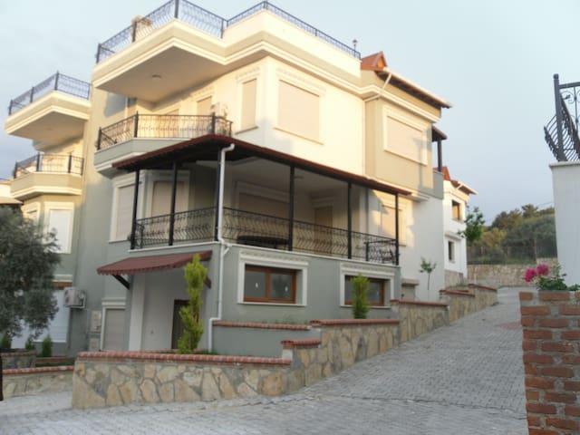Extra luxury and sea viewed  villa - kuşadası - Hus