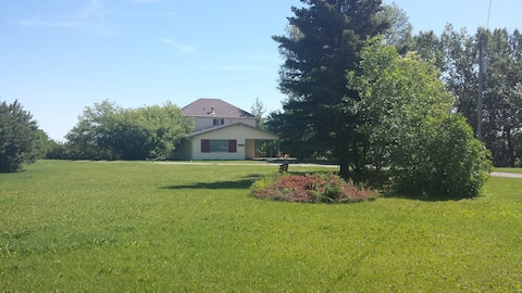 Didsbury acreage-lots to do, perfect for families.