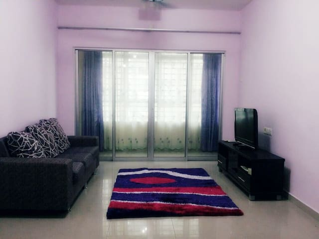 3 bedroom apt. with swimming pool - Shah Alam - Serviced flat