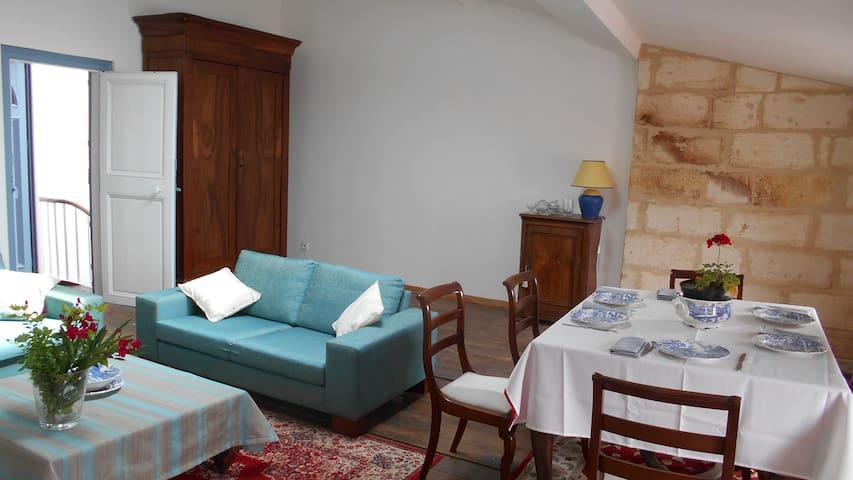Bel appartement près des quais à Pauillac