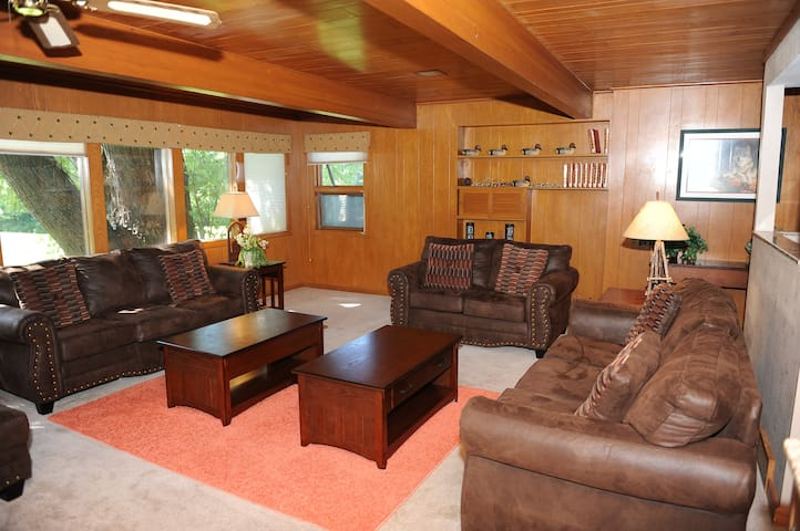 3+ Bedroom Golf Course Home + WATERPARK INCLUDED!