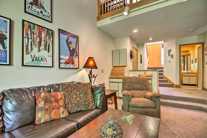 Killington Condo w/ Spa - 3.4 Miles to Ski Resort!