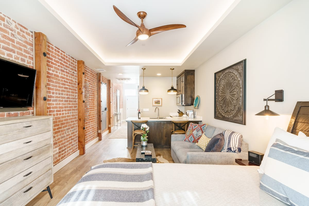 Sophisticated Paso Park Suite Full of Character