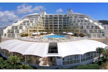 TANTRA SUITE - ETTALONG BEACH RESORT - Ettalong Beach - Apartment