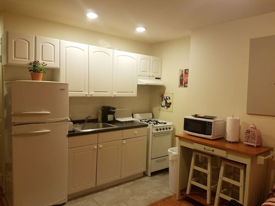 Small, clean kitchen.