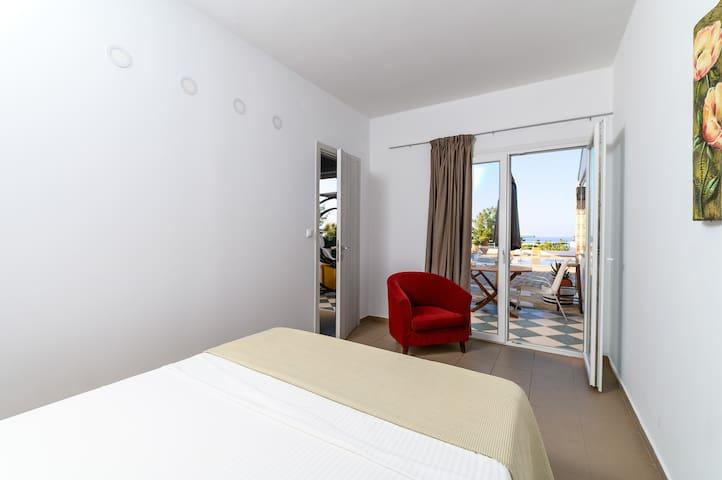 Cozy suite sea view