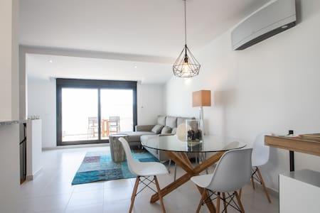 Duplex avec terrasse et sauna privatisés