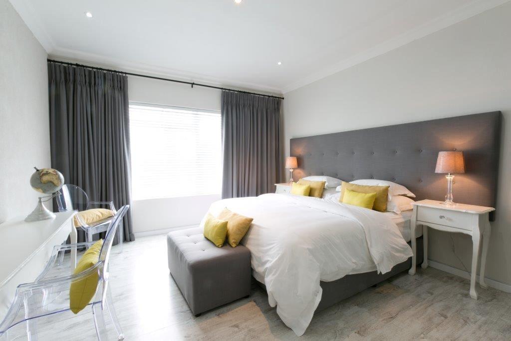 room 3: king bed with en suite shower