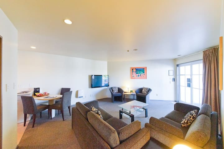 Pavilions Hotel Deluxe Two Bedroom Apartment - Christchurch - Serviced apartment