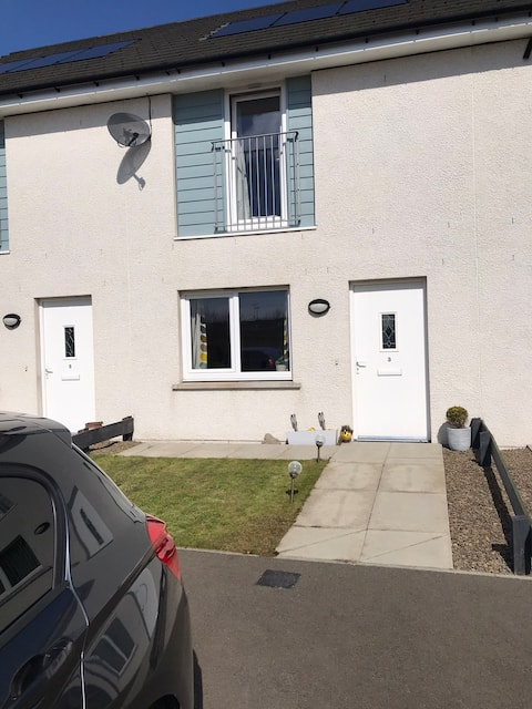 Modern and bright 2 bedroom home in Kirkwall