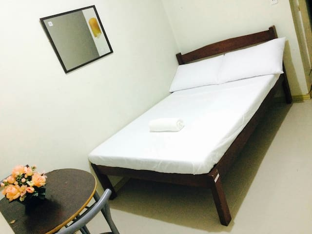 Naga city ROOM for 2- daily/weekly/month