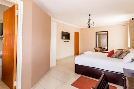 Riverstone Lodge, Group Accommodation - Harare