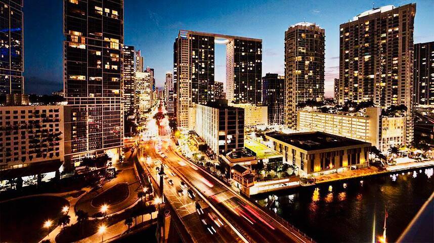 BEAUTIFUL Downtown MIAMI APT