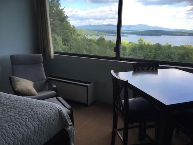 Newly Renovated-Close to beach and skiing
