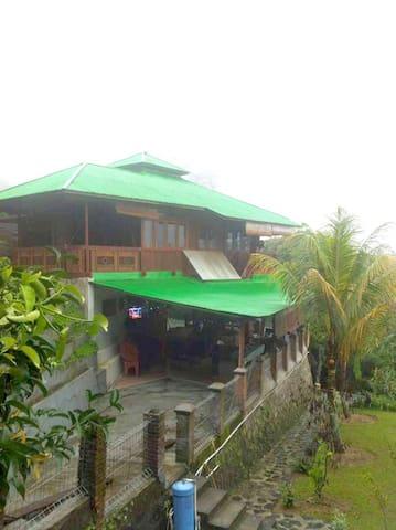 Rumah Adat Minahasa(Spacious Villa) - Bogor - Villa