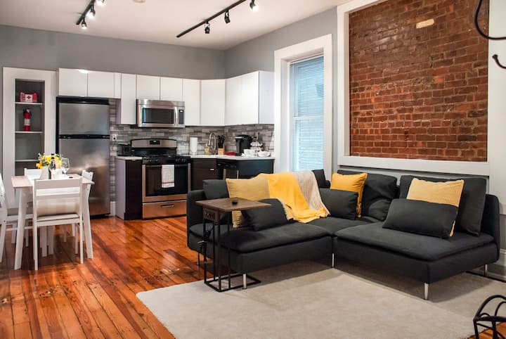 Gorgeous apt. by Wooster Sq. - EXPERTLY SANITIZED