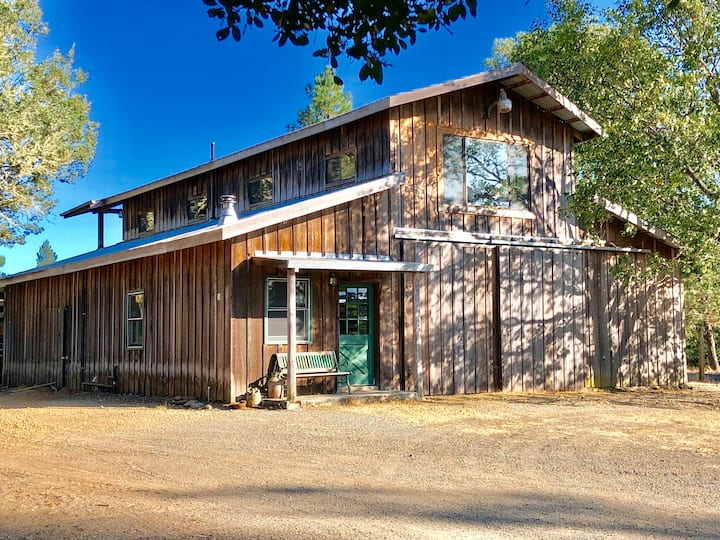 RANCH BARN W/Views, Hiking,Sunsets, Spring flowers