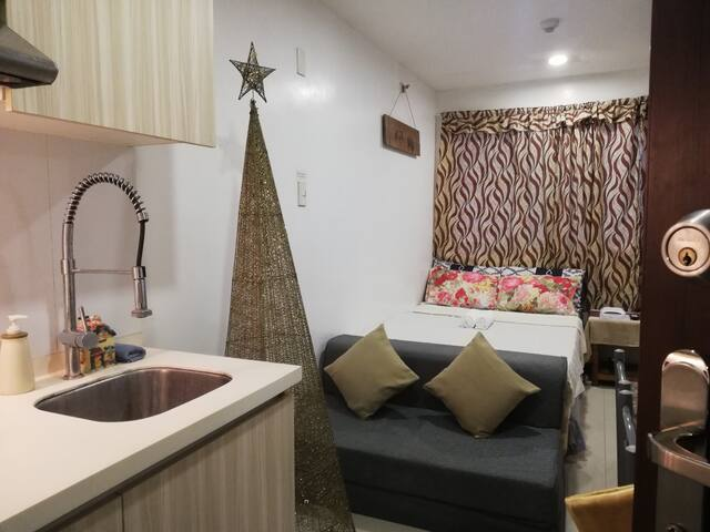 AFFORDABLE cozy & convenient condo by Session Road