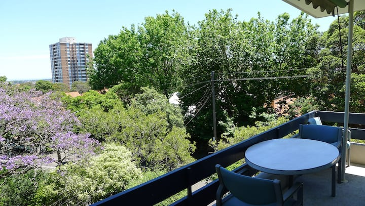 Waverton/North Sydney - 10 mins to city centre
