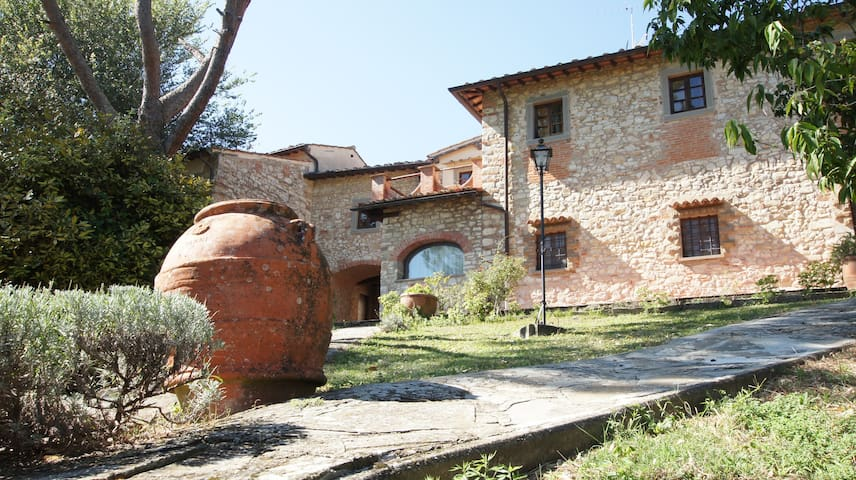 Splendido Casale con piscina 18 Km da Firenze/Pini - Rignano Sull'Arno - Huoneisto