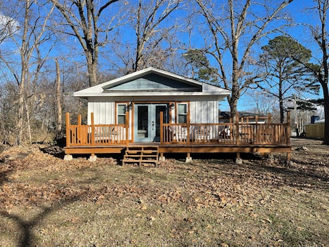 ❤️ Love Shack with large deck and beautiful sunsets