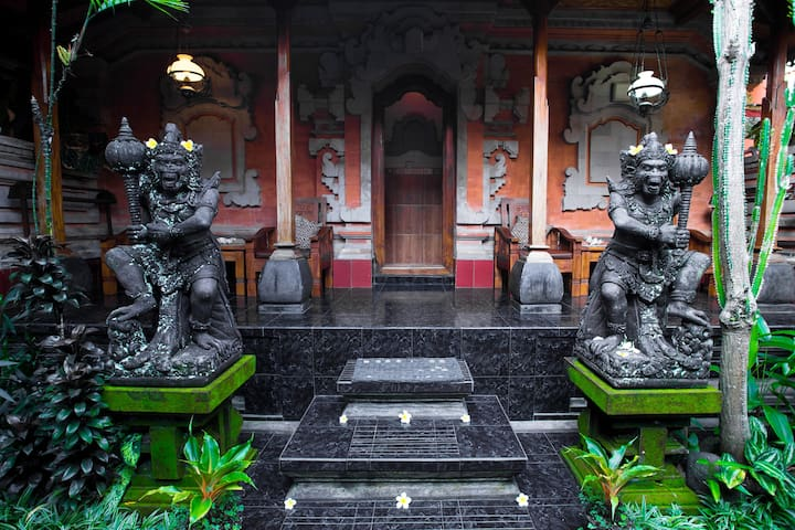 The classic Balinese house in the most Ubud center