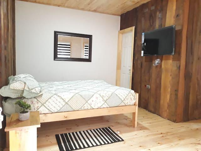 habitación equipada con baño privado