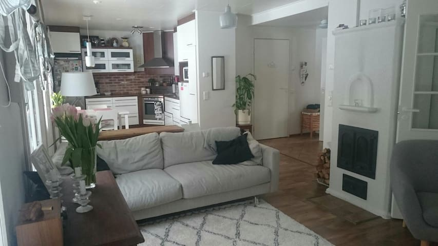 Cosy house 130m2, 3 bdr, two floors