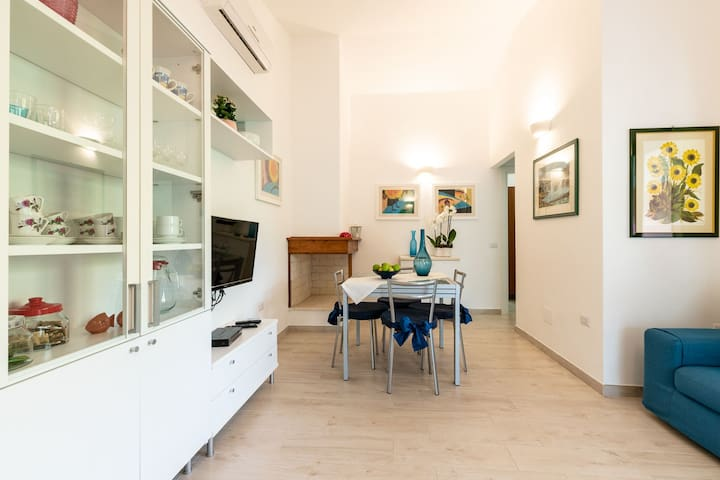 """Beautiful Holiday Home """"Villetta Coccinella"""" with Wi-Fi, Garden & Terrace; Parking Available"""