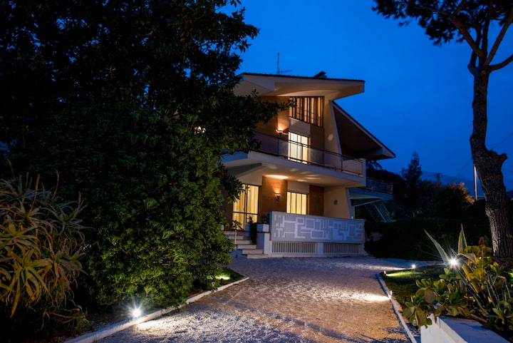 Villa sul mare a Vindicio tra Formia e Gaeta