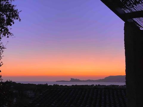 Maisonnette Provençale Vue Panoramique Sur La Baie