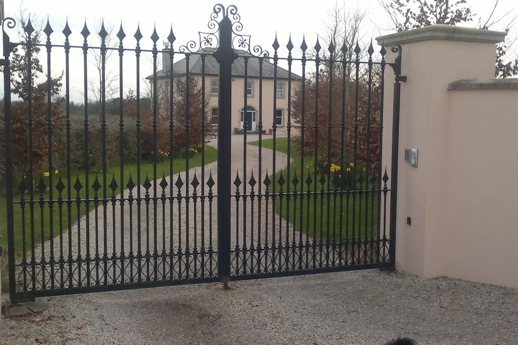 Electric Gates for Privacy