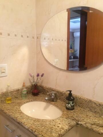Banheiro hospede