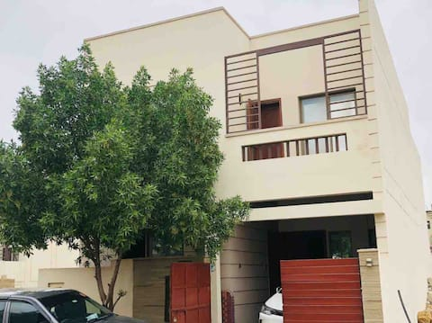 Cheerful 3 bedroom villa with free parking