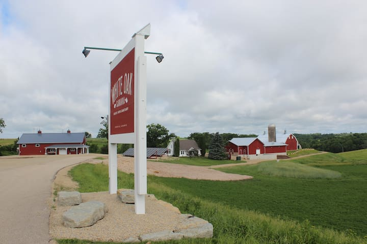 The Norwegian Hollow Farmhouse at White Oak Savanna Events Farm and Sanctuary
