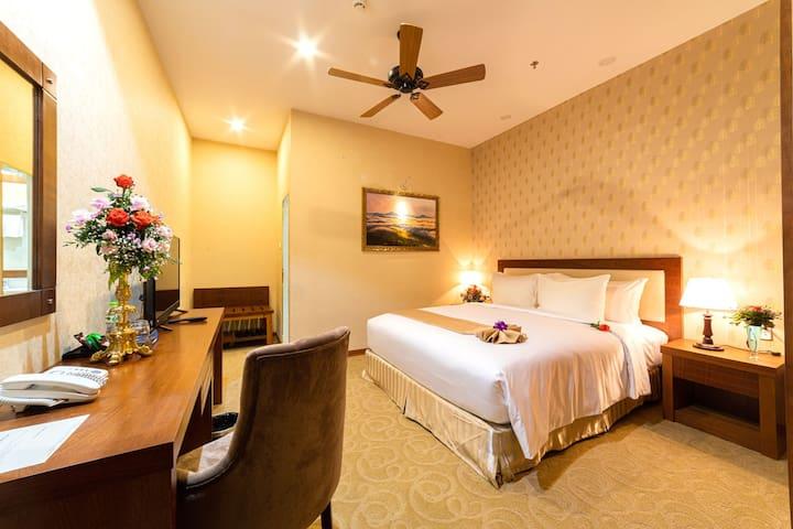 Ladalat Hotel- Basement Superior Double no Window