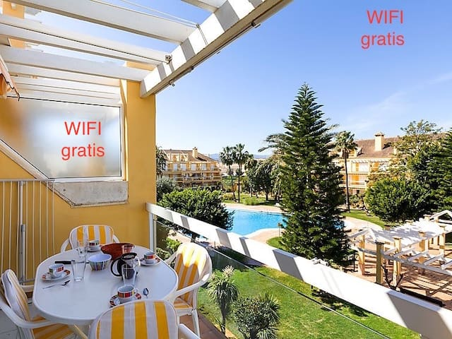 Espacioso duplex, 200 m. playa, wifi, parking. - Denia - Departamento
