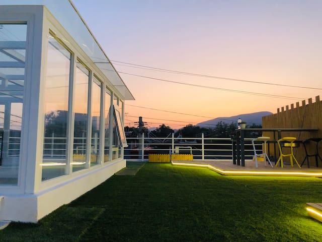 北京怀柔简欧原木风天台花园精品舒适小院