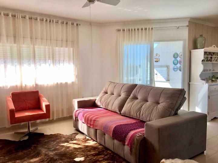 Roomy and quiet apartment in Ararangua