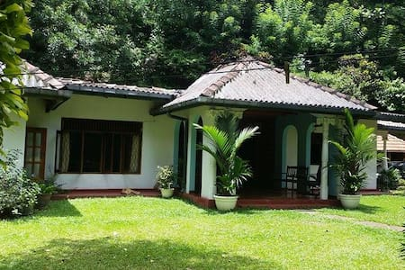 Spring Water Home Stay - Kandy