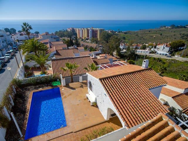 NEW Villa Sunset, Wi-fi, Pool, sea views, chimney.