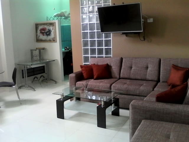 Central modern new apartment with aircon & wifi - Iquitos - Apartment