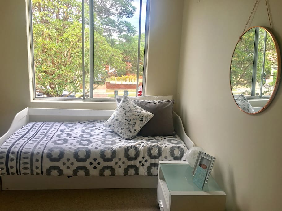 Single bedroom with extra bed option can sleep 2 people