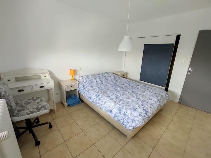 Appt, 101m², Chambre 12M² lit160 & Bureau, Tv