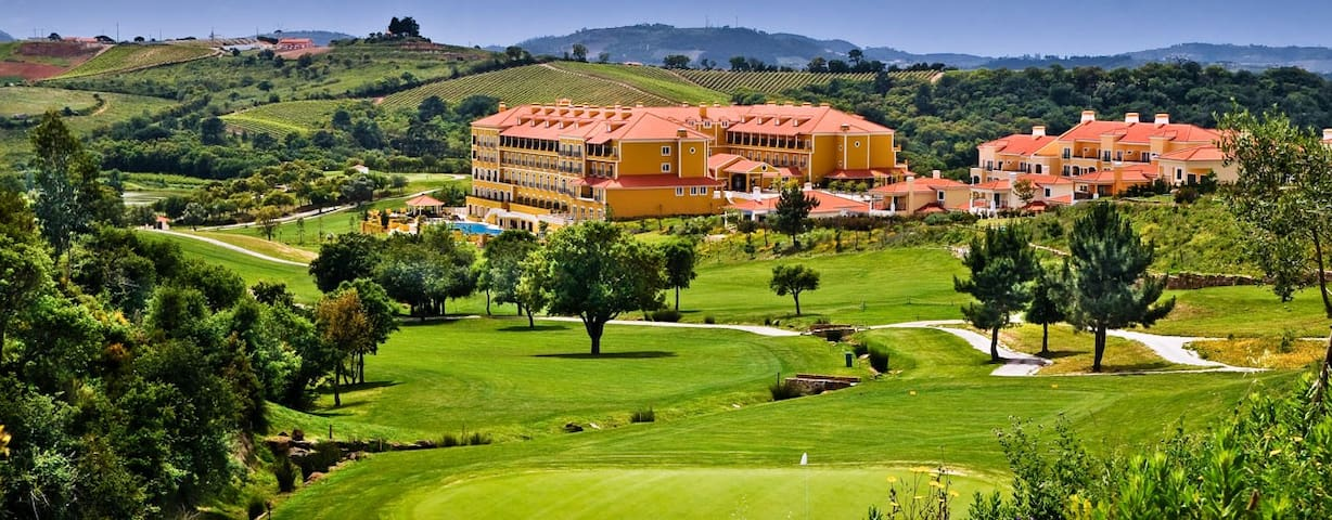Big townhouse in a golf resort. - Lisboa - Reihenhaus